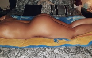 Zoulika nuru massage